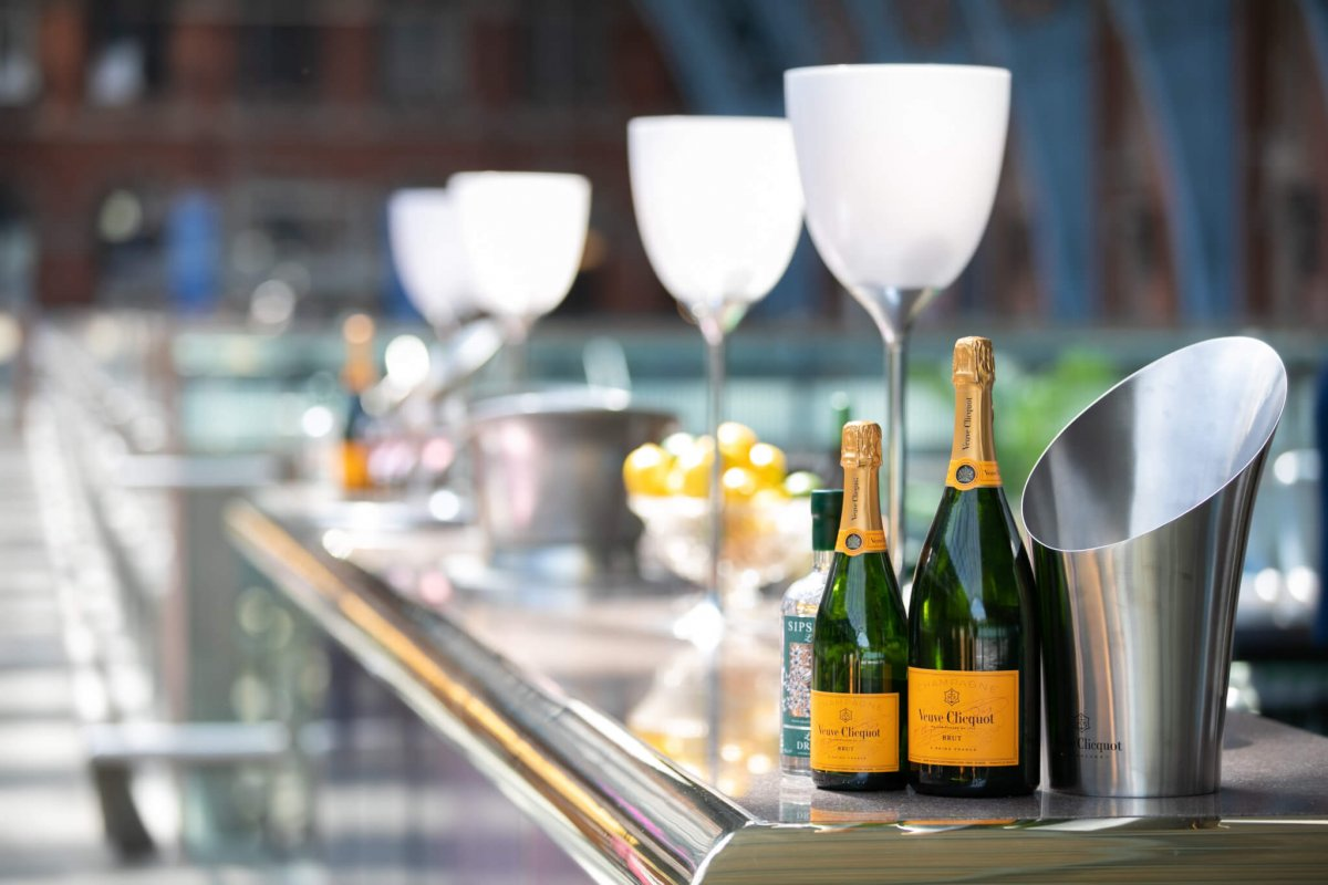 Chips & Champers - St. Pancras